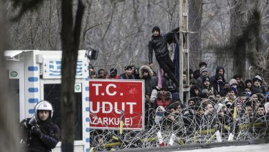 Photo of Greece Suspends Asylum as Turkey Opens Gates for Migrants