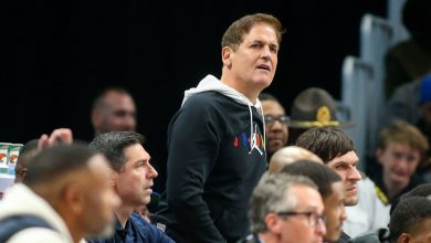Photo of Mark Cuban Fined $500,000 for Criticizing N.B.A. Referees