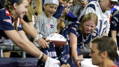 Photo of Checking in on Boston Sports Fans as Tom Brady Checks Out