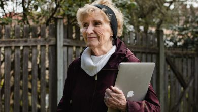 Photo of As Life Moves Online, an Older Generation Faces a Digital Divide