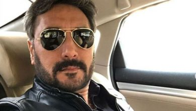 Photo of Pakistani actor Adnan Siddiqui apologised to families of Sridevi, Irrfan Khan, here's why