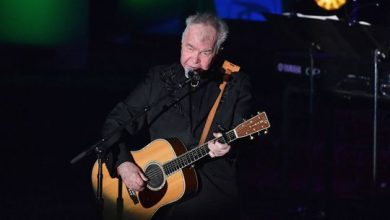Photo of Country folk icon John Prine in 'critical' condition with coronavirus