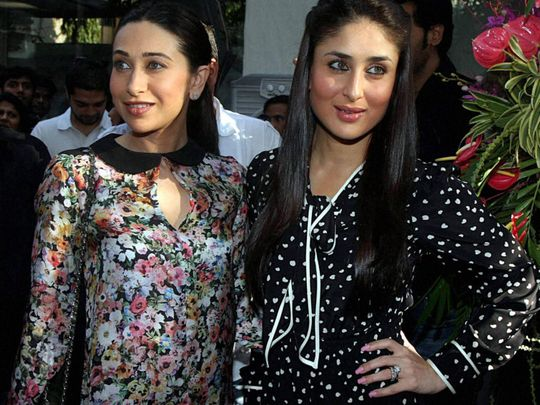 TAB 200307 Kareena Kapoor with Karishma Kapoor-1583569686234