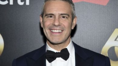 Photo of Talk-show host Andy Cohen, 'Bachelor' Colton Underwood have virus