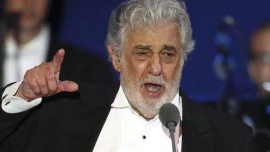 Photo of Placido Domingo resigns from opera union, donates $500,000