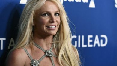 Photo of 'Comrade' Britney Spears calls for wealth redistribution during coronavirus