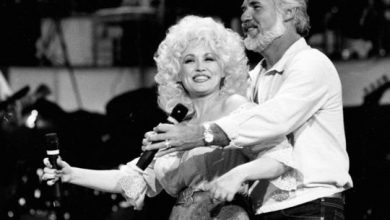 Photo of Dolly Parton posts emotional tribute to 'Islands in the Stream' partner Kenny Rogers