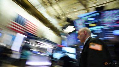 Photo of Buy or sell? Investors navigate COVID-19 data fog