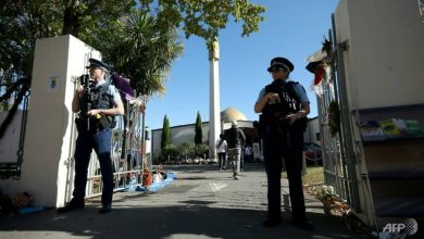 Photo of New Zealand security response to mosque attacks spurs debate