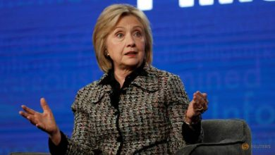 Photo of Clinton warns Afghan peace push must include government, women