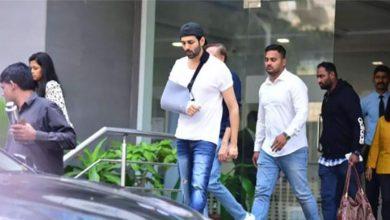 Photo of Kartik Aaryan spotted leaving hospital in Mumbai | Bollywood