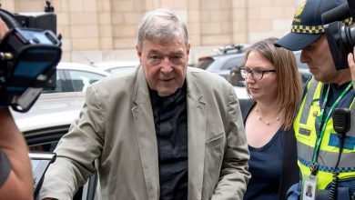 Photo of Australian Court Overturns Sex Abuse Conviction of Cardinal George Pell