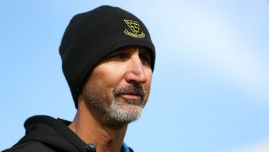 Photo of Jason Gillespie in limbo as Covid-19 travel bans leave county coaches grounded