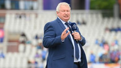 Photo of Ian Smith honoured by NZC for 'outstanding services to cricket'