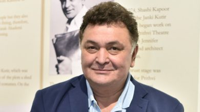 Photo of Veteran Bollywood actor Rishi Kapoor dies at 67