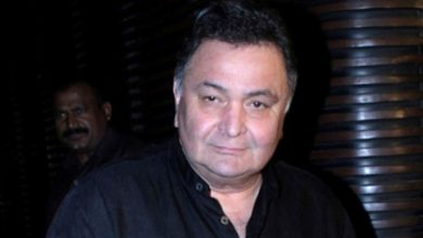 Photo of Actor Rishi Kapoor hospitalised in Mumbai