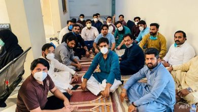 Photo of Pakistani doctors launch hunger strike over COVID-19 protection fears