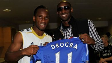 Photo of Didier Drogba signed Chelsea jersey from Kobe lifted Adam Morrison up
