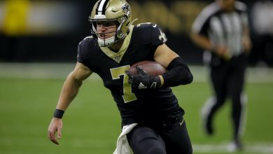 Photo of Taysom Hill is now a fantasy football TE. How does that affect his value?