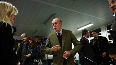 Photo of Valéry Giscard d'Estaing, Ex-French President, Accused of Groping Journalist