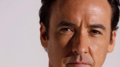 Photo of Hollywood actor John Cusack 'attacked by police' while filming protests