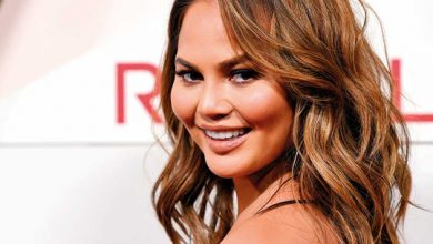 Photo of Chrissy Teigen donates to bail funds for protesters