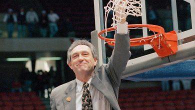 Photo of Eddie Sutton, 84, Winning Basketball Coach at Four Schools, Dies