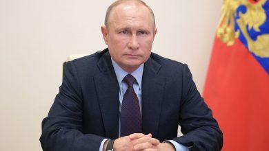 Photo of Russia's Putin struggles against coronavirus foe he cannot control