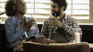 Photo of Review: 'The Lovebirds' lets Issa Rae, Kumail Nanjiani shine