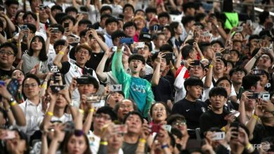 Photo of South Korean football kicks off with new audience, safety measures