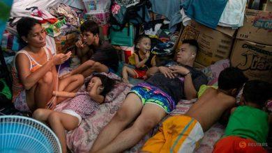 Photo of In Philippine slums, heat, hunger take a toll under lockdown