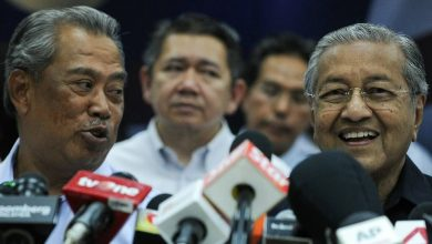 Photo of Mahathir won't go quietly after being sacked, even as Muhyiddin consolidates power in Bersatu: Analysts