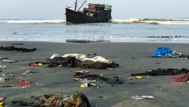 Photo of Hundreds of Rohingya Muslims Stuck at Sea in Refugee Crisis With 'Zero Hope'