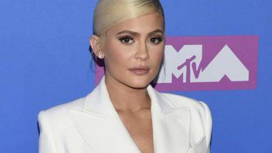Photo of Forbes revokes Kylie Jenner's billionaire status