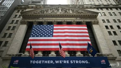 Photo of NYSE floor reopens as world tries to kickstart post-virus economy