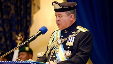 Photo of Johor sultan warns that he will dissolve state assembly if politicking continues