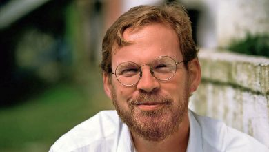 Photo of Michael Hawley, Programmer, Professor and Pianist, Dies at 58
