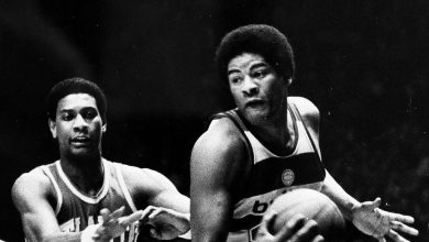 Photo of Wes Unseld, Powerful Hall of Fame N.B.A. Center, Dies at 74