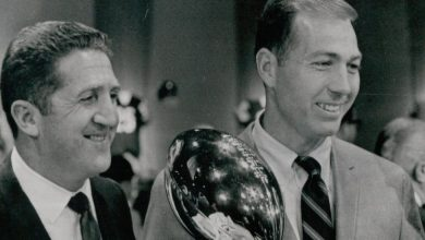 Photo of Murray Olderman, Who Both Wrote and Drew About Sports, Dies at 98