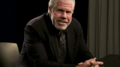 Photo of Ron Perlman's Twitter feud with Ted Cruz escalates into an invite to… wrestle