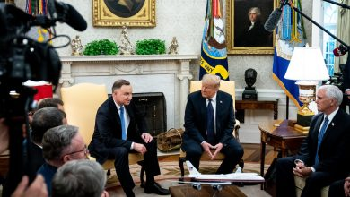 Photo of Trump Hosts Poland's Right-Wing President Days Before a Close Election