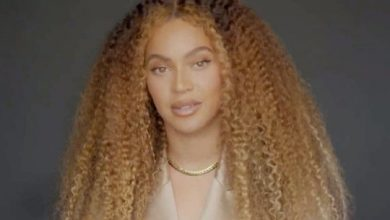 Photo of Beyonce wants officers charged in black woman's death