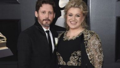 Photo of Kelly Clarkson seeks divorce from husband of nearly 7 years