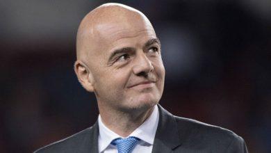Photo of FIFA president backs George Floyd player tributes in Bundesliga