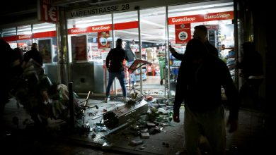 Photo of After Night of Violence Targeting Police, Germany Seeks 'Roots of Anger'