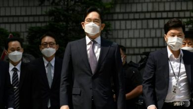 Photo of Samsung heir avoids arrest over controversial merger