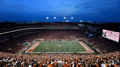 Photo of Texas governor: College football games may be limited to 50% capacity