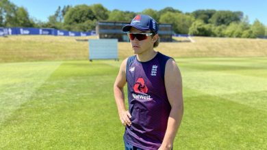Photo of Sam Curran self-isolating after 'sickness and diarrhoea'