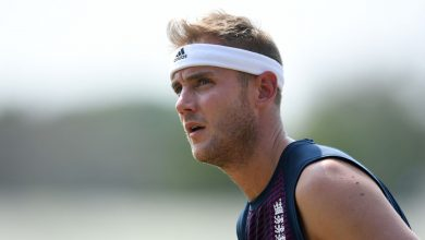 Photo of Stuart Broad faces axe as England ponder Wood and Archer for first Test