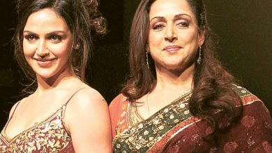 Photo of Esha Deol refutes rumours that Hema Malini is unwell